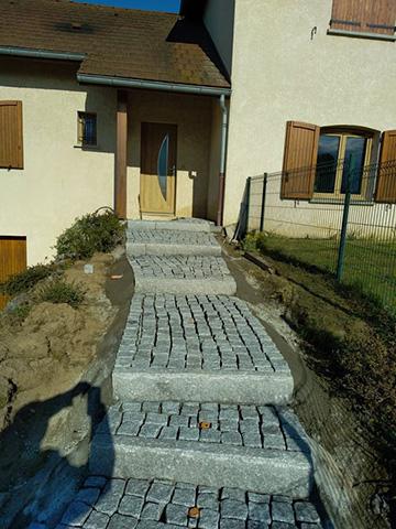 2 - Escalier, pavage bordure en granit - Les Jardins du Buis, paysagiste Avant-Pays, Savoie, Isère, Ain