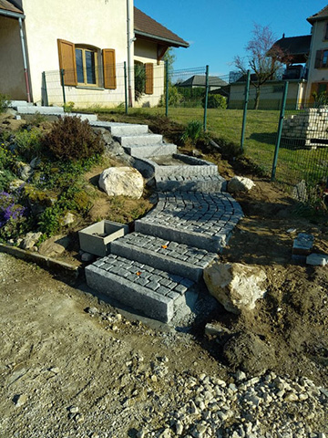 4 - Escalier, pavage bordure en granit - Les Jardins du Buis, paysagiste Avant-Pays, Savoie, Isère, Ain