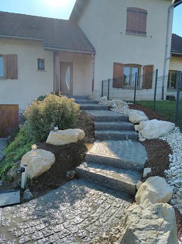 7 - Escalier, pavage bordure en granit - Les Jardins du Buis, paysagiste Avant-Pays, Savoie, Isère, Ain