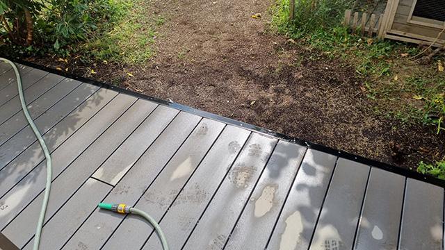 7- Terrasse composite et jardinière en traverses chêne, toile tissée et paillage minéral - Les Jardins du Buis à Chambéry-le-Vieux
