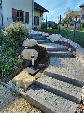 8 - Escalier, pavage bordure en granit - Les Jardins du Buis, paysagiste Avant-Pays, Savoie, Isère, Ain